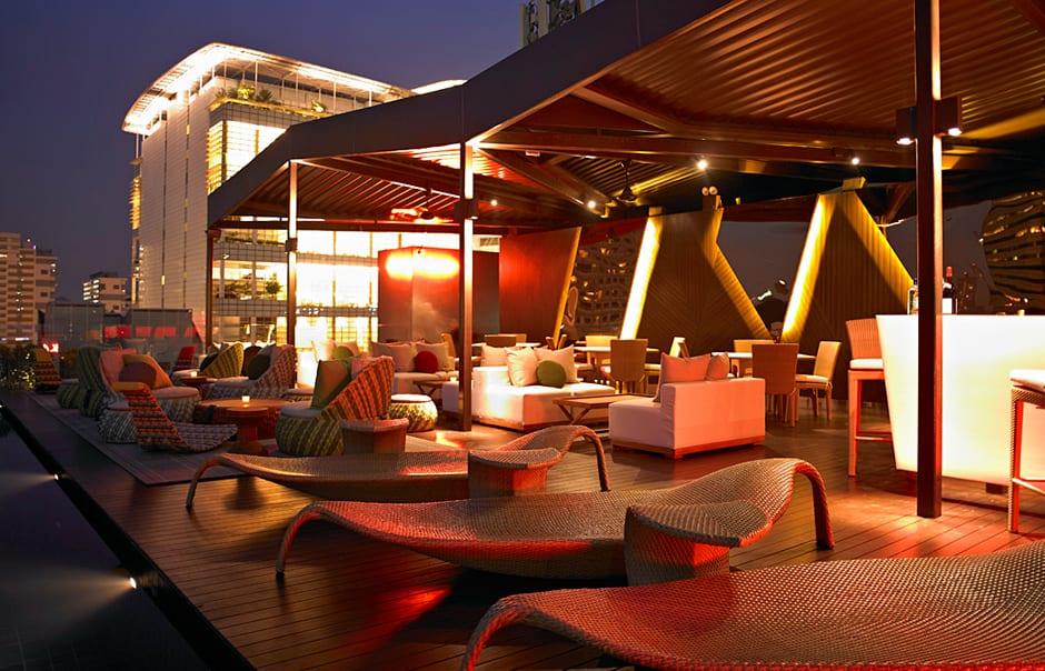 Rooftop Infinity Pool. Naumi, Singapore. © Naumi