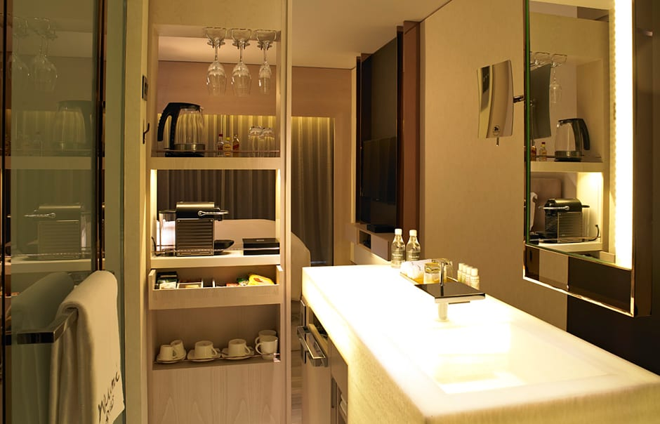 In room amenities. Naumi, Singapore. © Naumi
