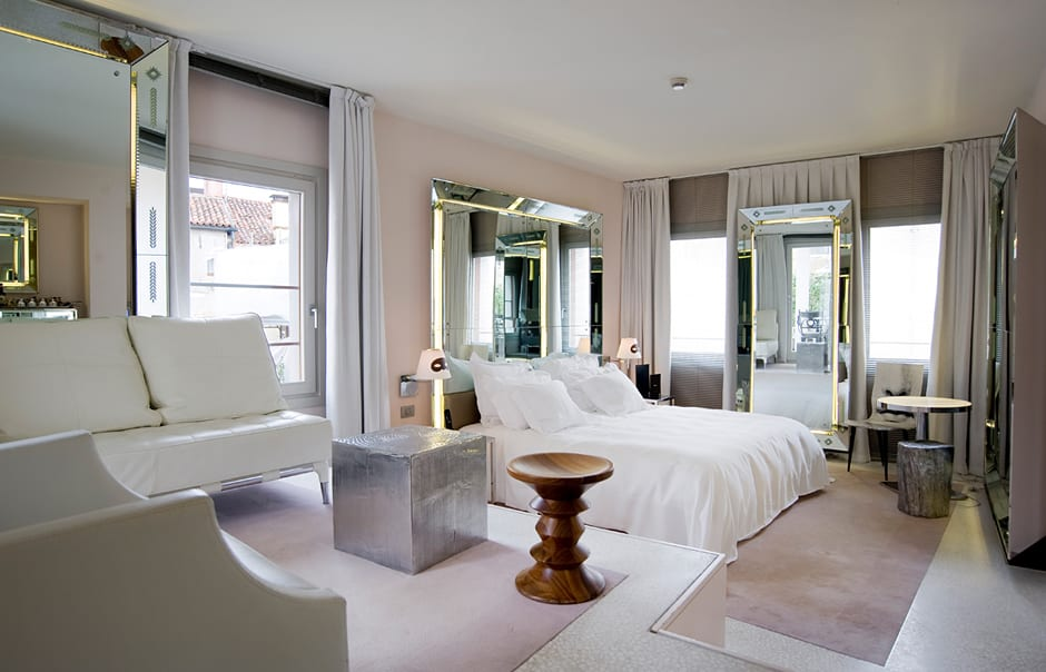 Palazzinag venice luxury hotels travelplusstyle for Miroir philippe starck