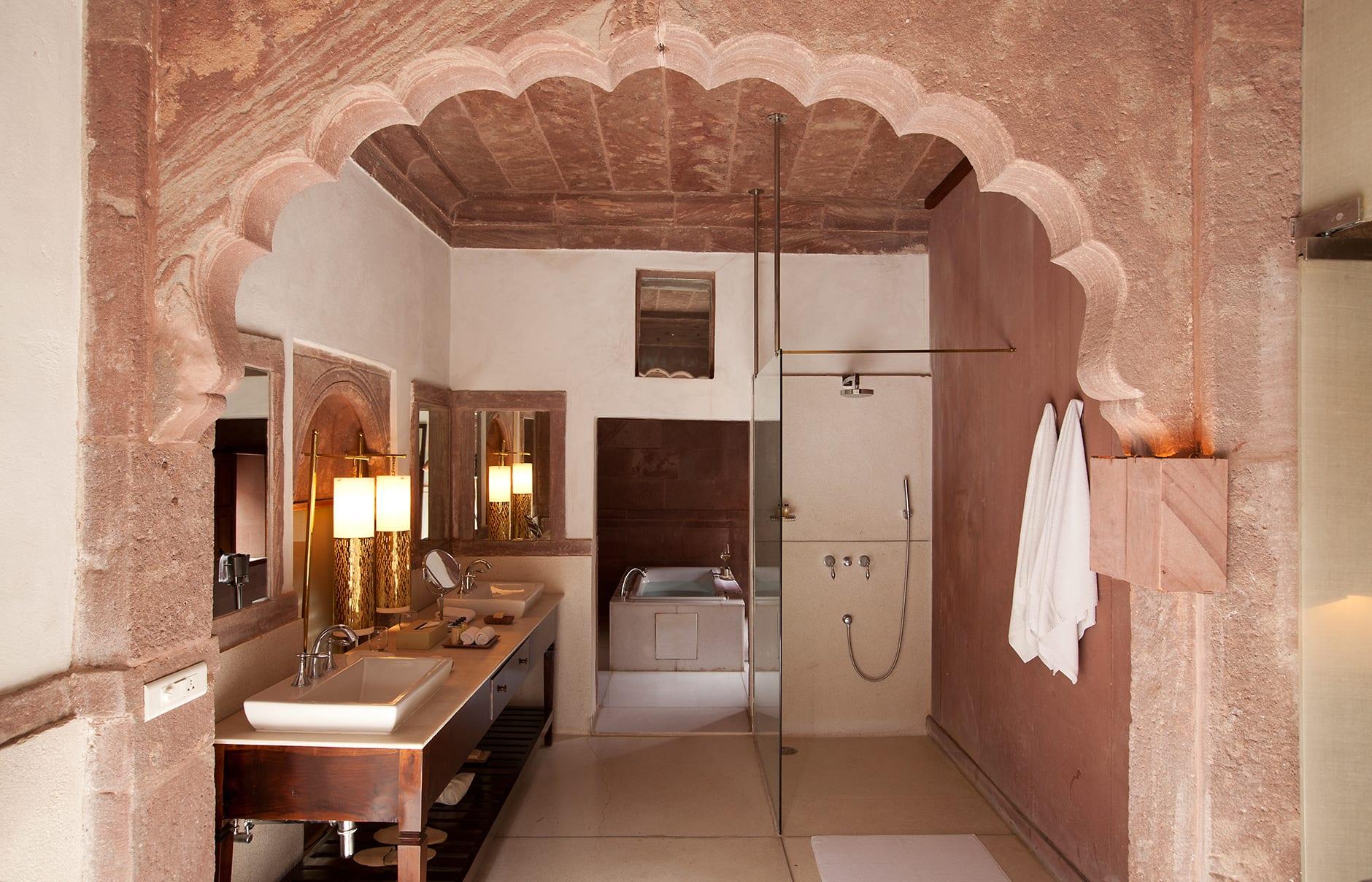 Heritage Suite bathroom. Raas Jodhpur, India. © Rass