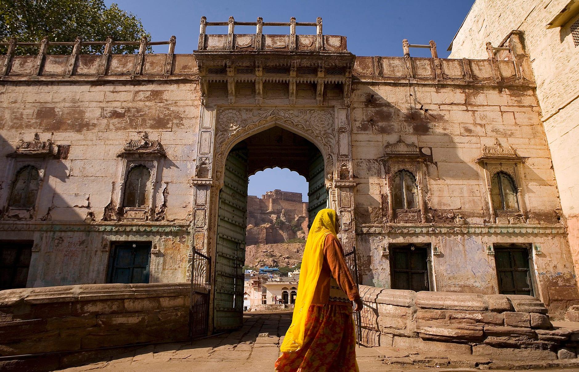 Front gate. Raas Jodhpur, India. © Rass