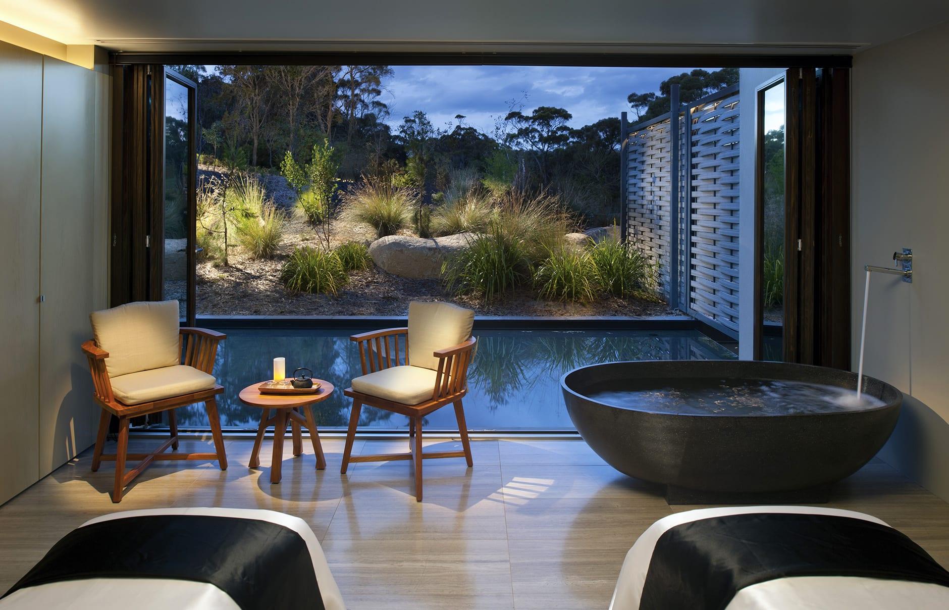 Saffire Freycinet, Tasmania, Australia. Hotel Review by TravelPlusStyle. Photo © Saffire Freycinet