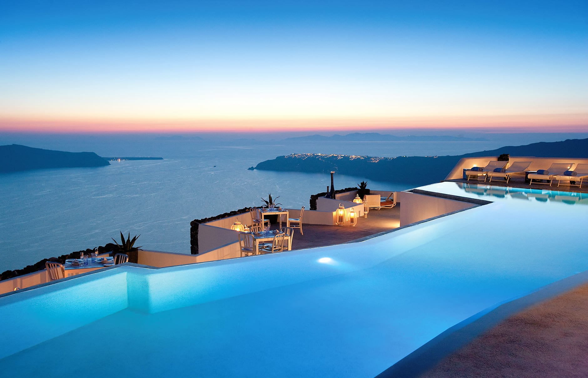 Grace santorini luxury hotels travelplusstyle for Hotels santorin