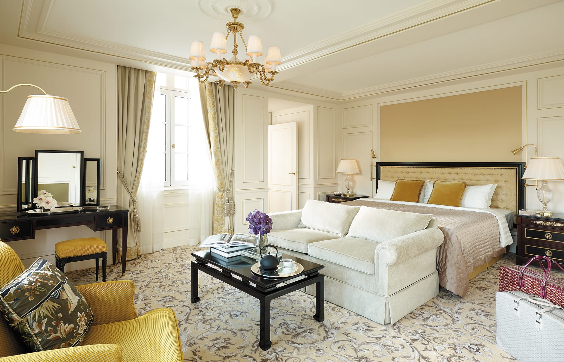 Shangri-La Hotel Paris, France. Hotel Review. Photo © Shangri-La International