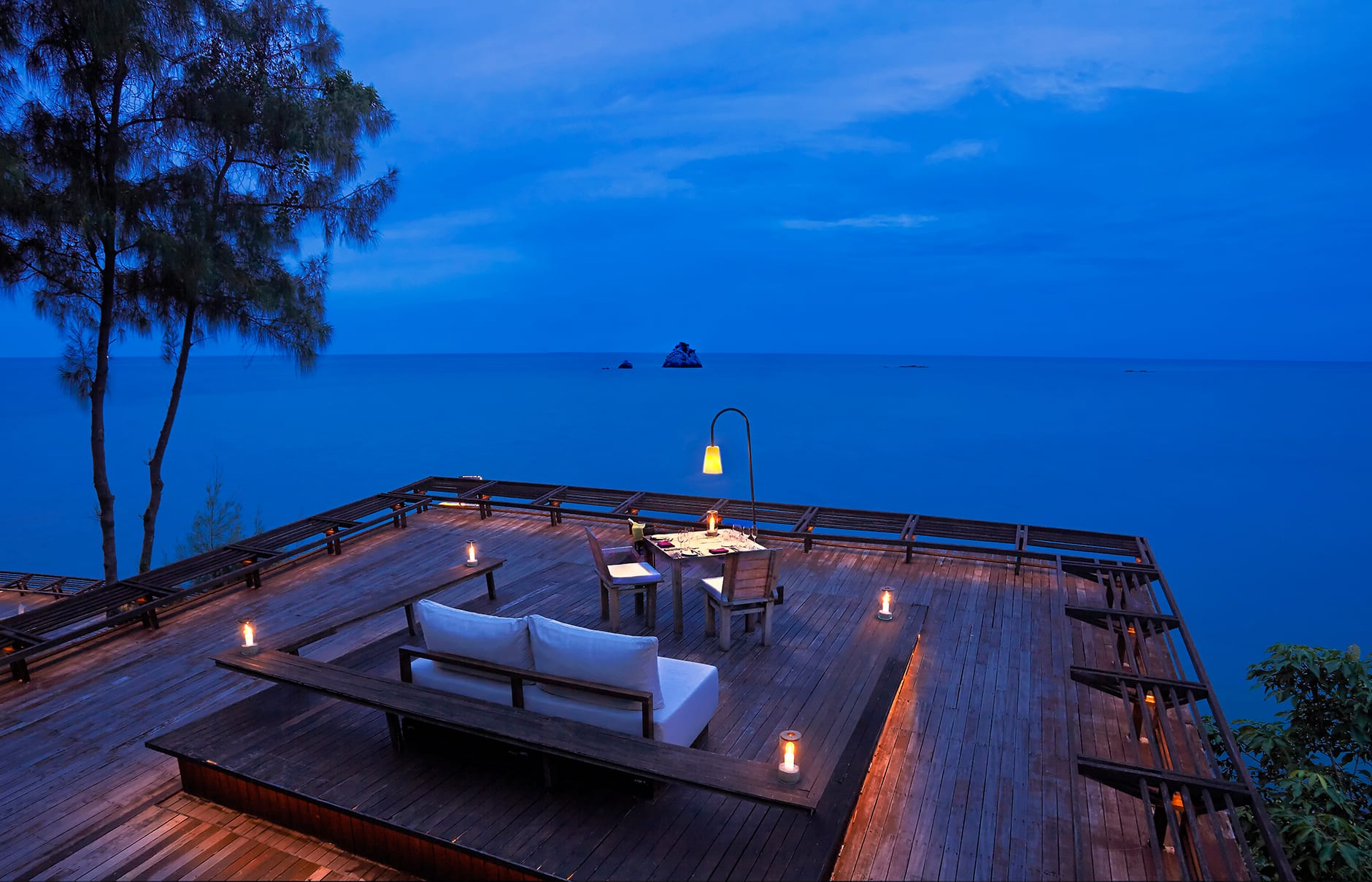 Dining on the Rocks. Six Senses Samui, Thailand. © Six Senses Resorts & Spas