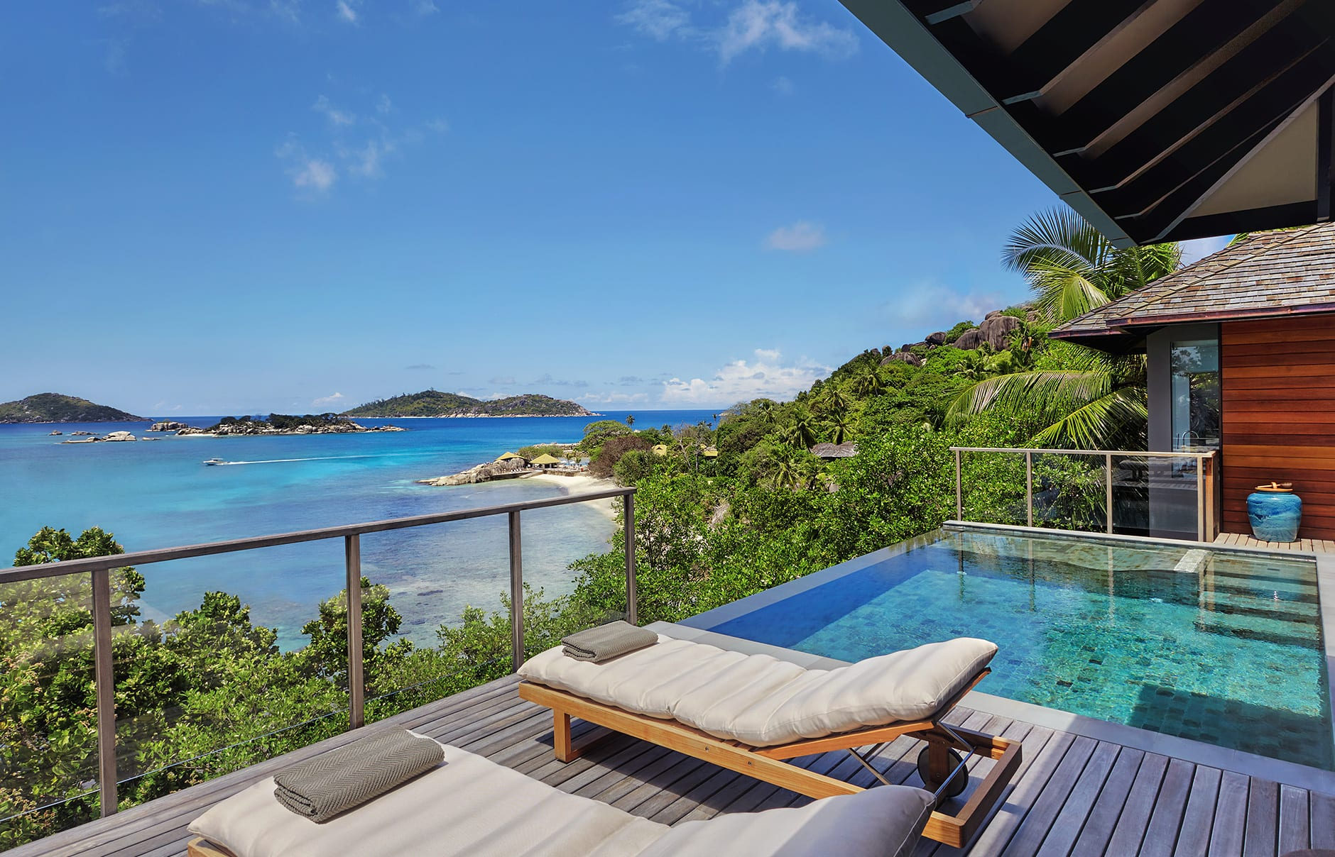 Six senses zil pasyon luxury hotels travelplusstyle for Pool villa design