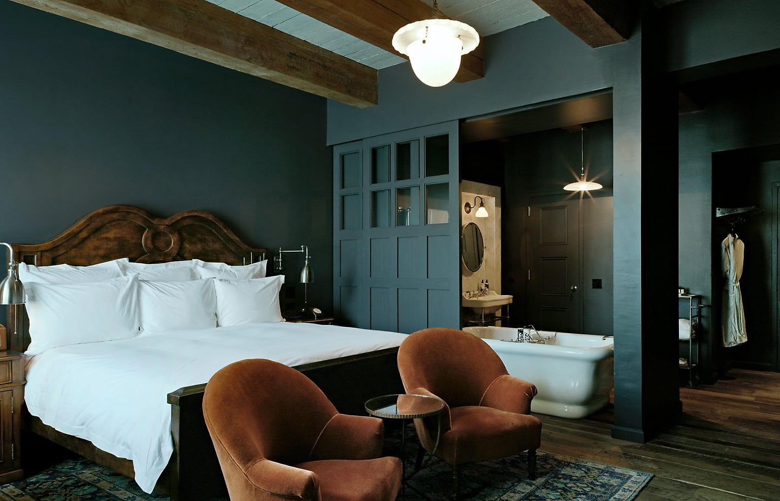 Medium Bedroom. Soho House New York. © Soho House