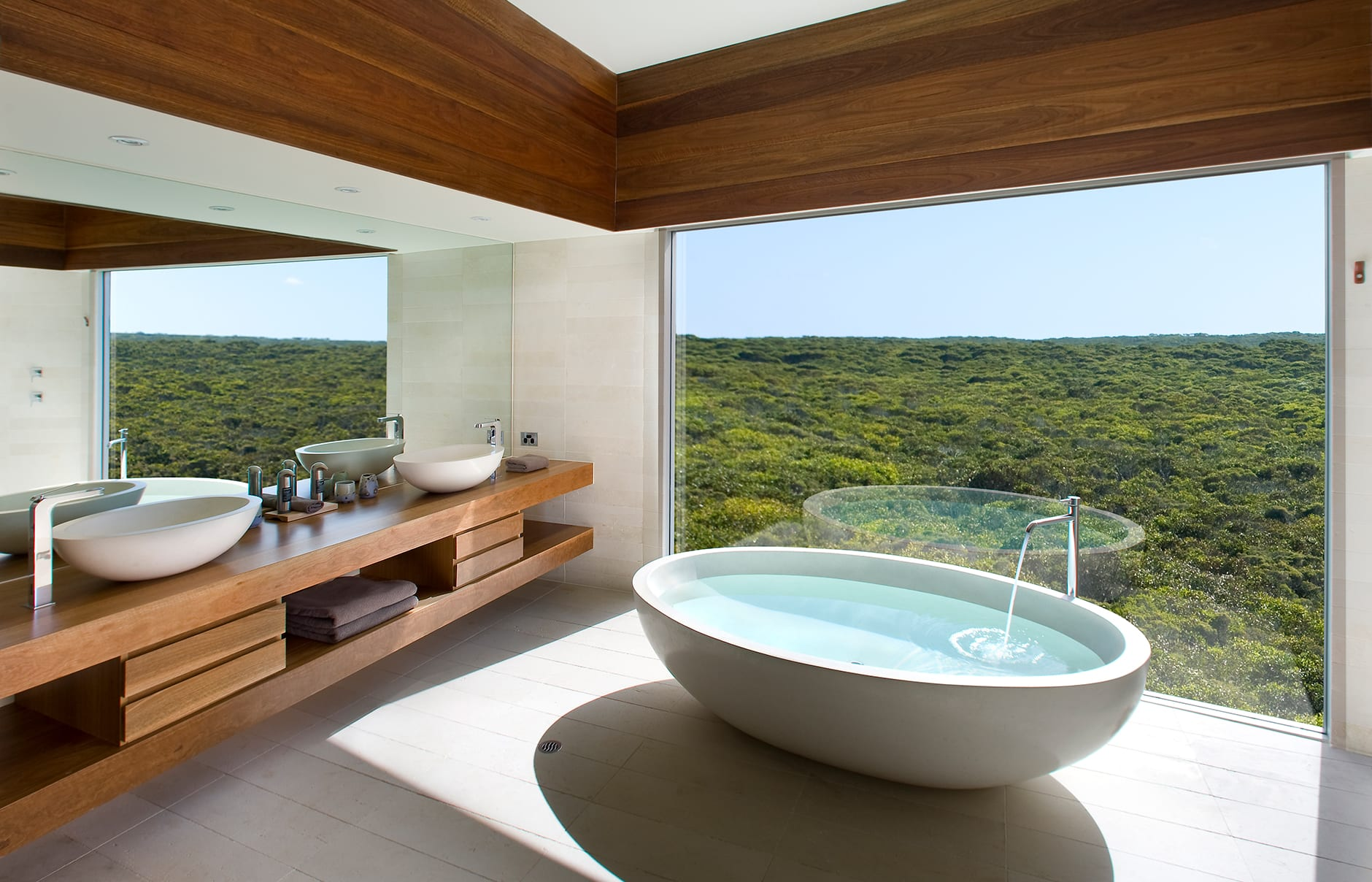Osprey Bathroom. Southern Ocean Lodge, Kangaroo Island, Australia. © Luxury Lodges of Australia