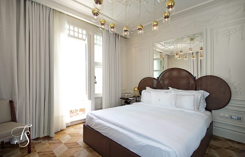 photos by t s the house hotel bosphorus istanbul luxury hotels travelplusstyle. Black Bedroom Furniture Sets. Home Design Ideas
