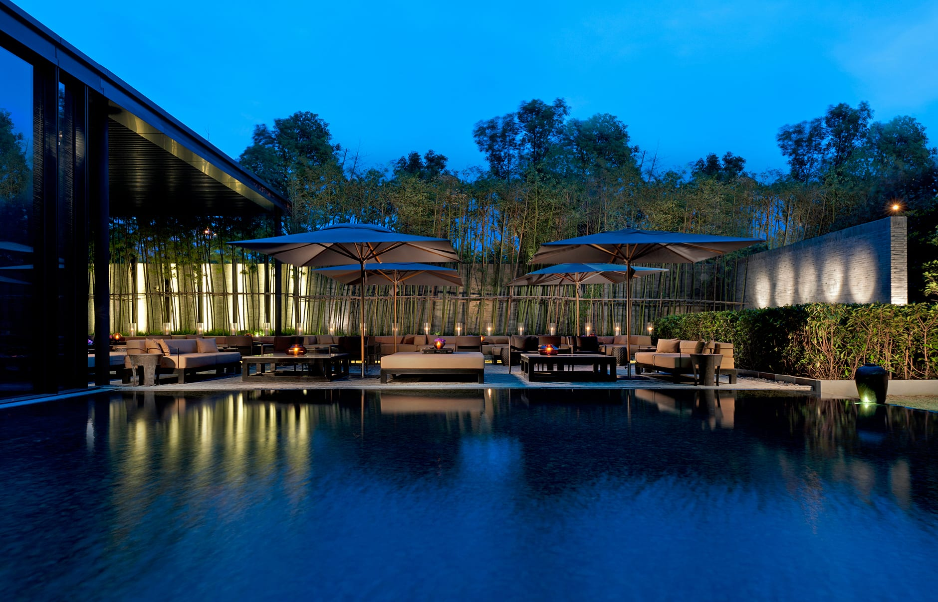 Garden Terrace. The PuLi Hotel and Spa Shanghai, China. © The PuLi Hotel and Spa.