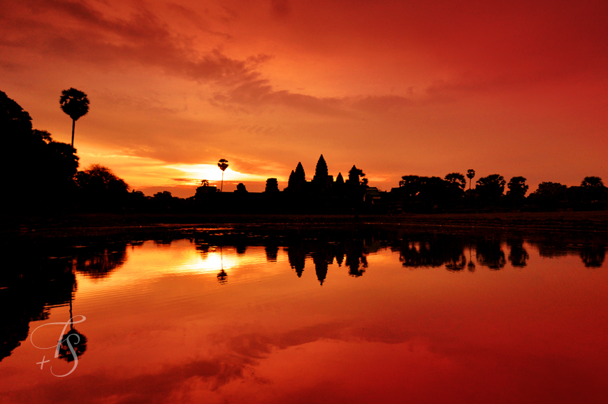 Sunrise At Angkor Wat 171 Luxury Hotels Travelplusstyle