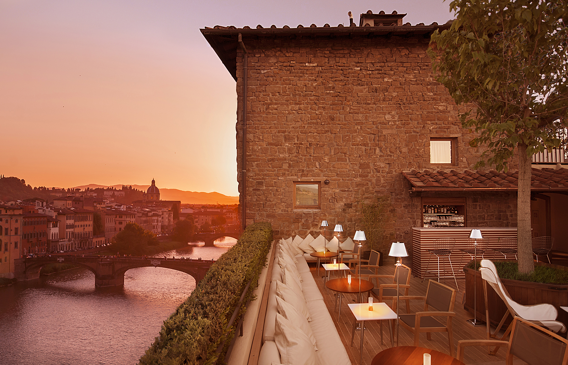 Boutique hotel continentale in florence unveils roof for Hotel design florence