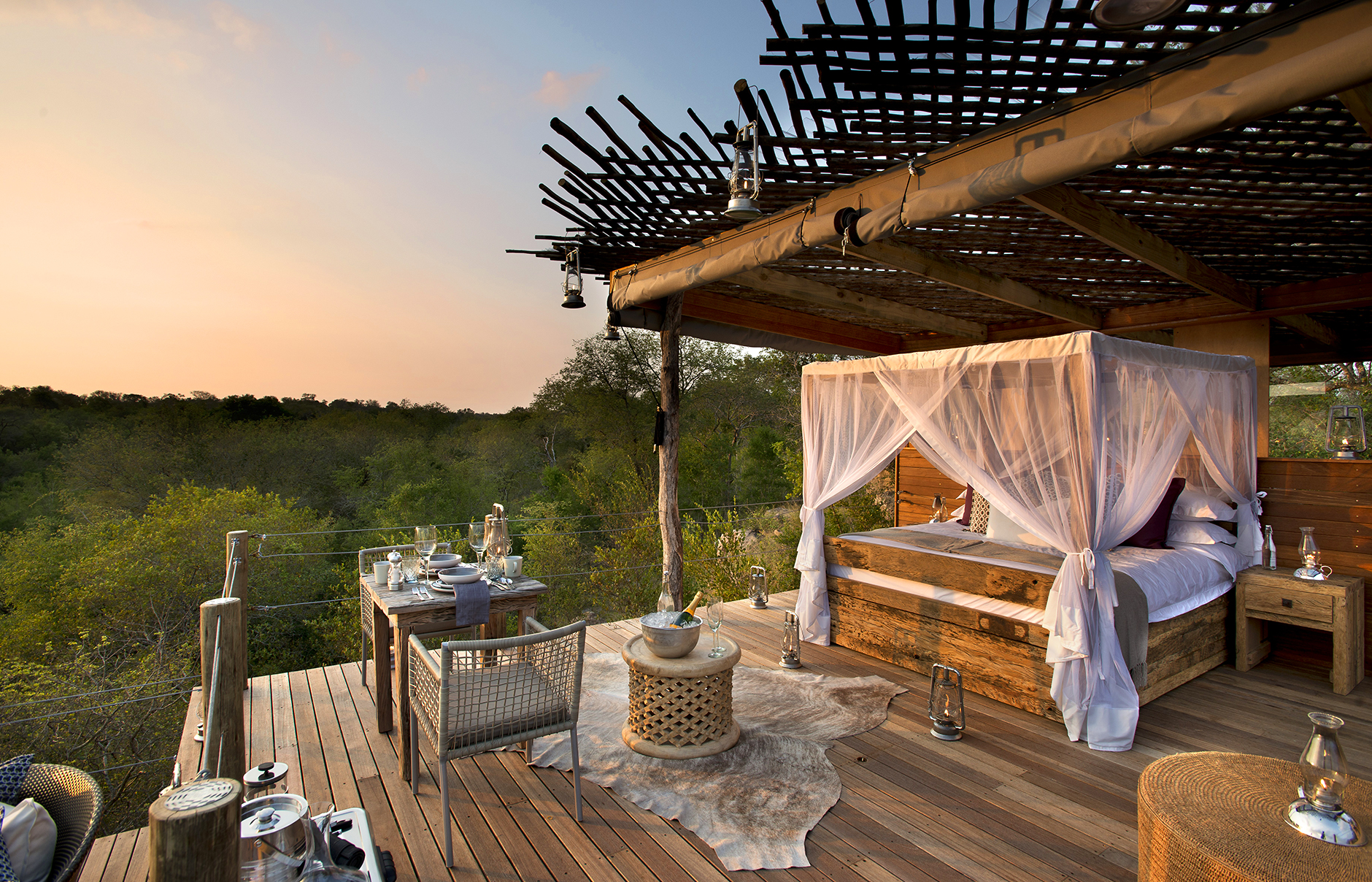a treehouse night at the lion sands private game reserve luxury hotels travelplusstyle. Black Bedroom Furniture Sets. Home Design Ideas