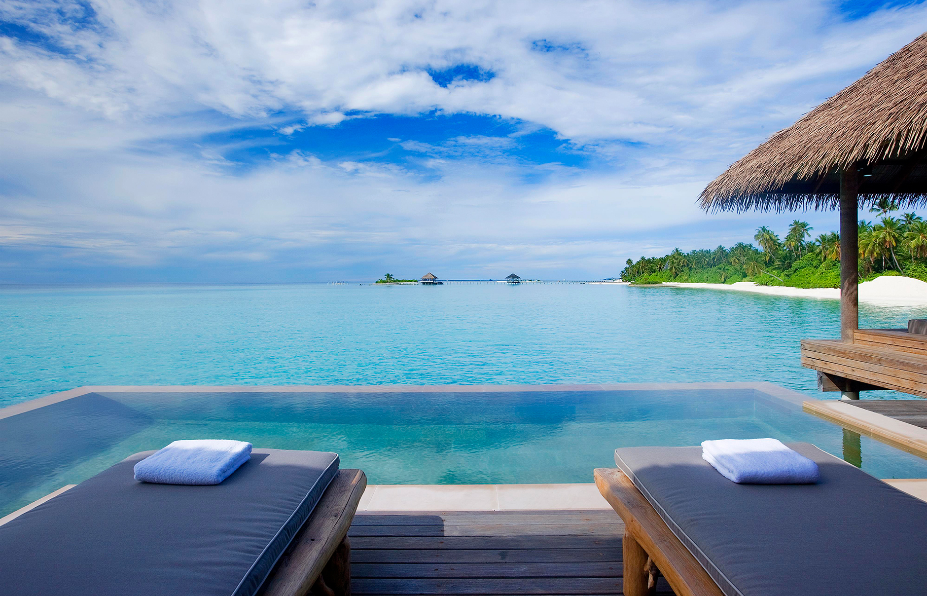 Its the como hotels newest island resort with a sumptuous array of overwater villas and garden suites surrounded by the tranquil sea maalifushi by como