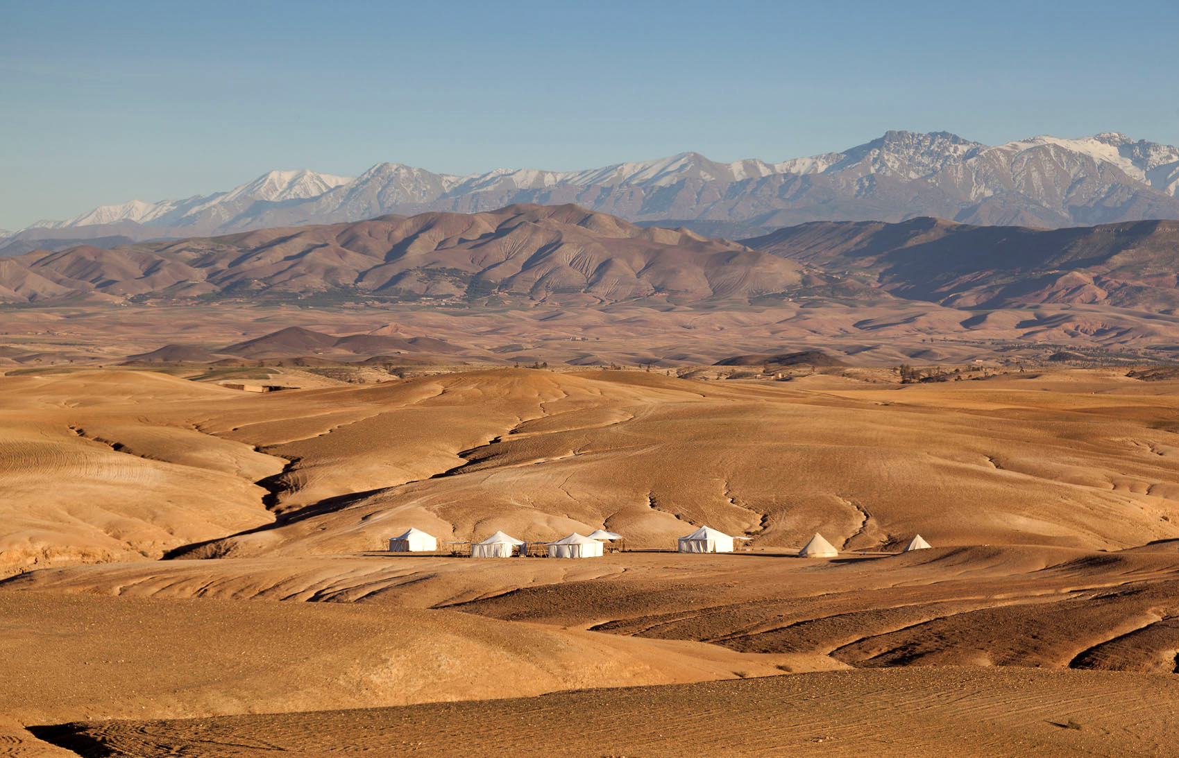 The magic of moroccan desert camping at scarabeo stone for Camp stone