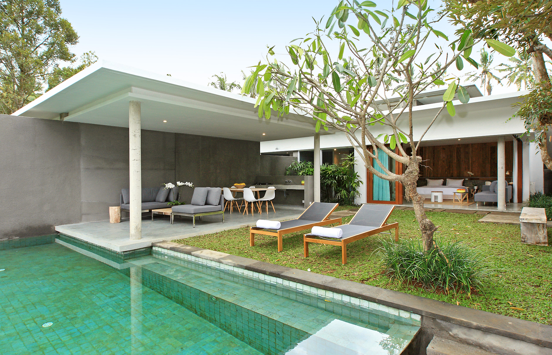 The new bali in ubud aria villas low key luxury luxury for Design boutique hotel ubud