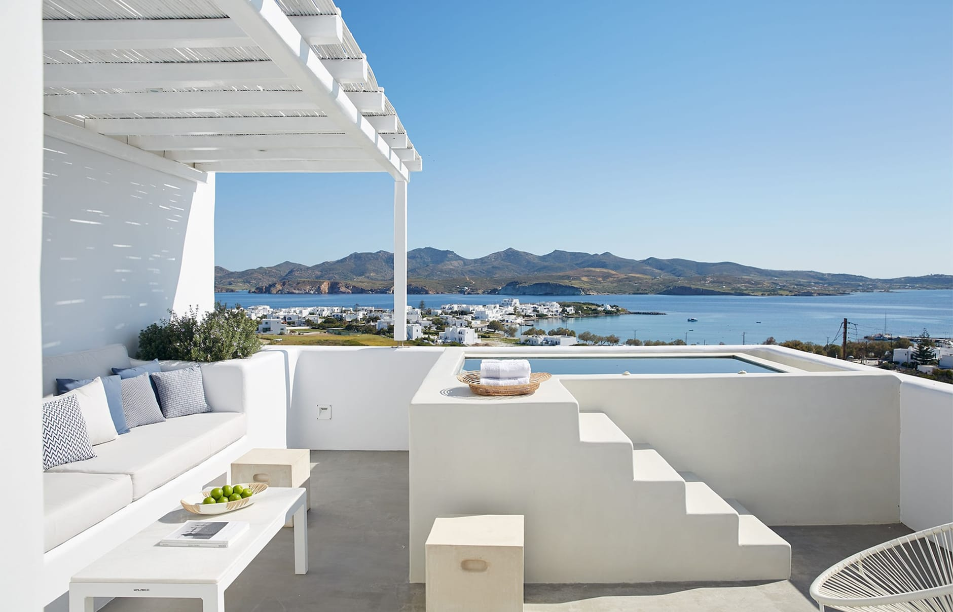 Guide To The Best Chic Hotels In Milos Greece By